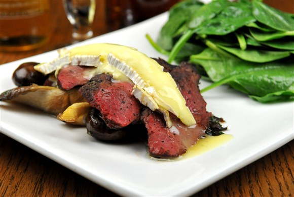 Flat Iron Steak Salad - The Auld Spot Pub