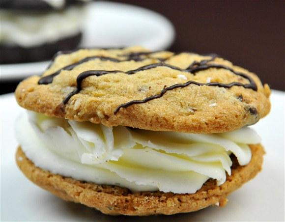 Chocolate Chip Cookie Sandwich (Organic) - Dvine Gelato Cafe