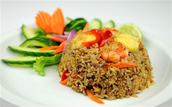 Pineapple Fried Rice - Pi-Tom's Thai Cuisine