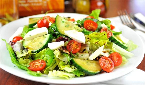Caprese garden salad for Maria s italian kitchen menu
