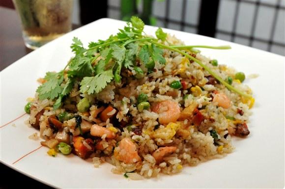 """""""Yang Chau"""" Fried Rice - Kim Bo Restaurant (CLOSED)"""