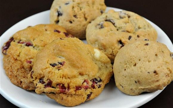 White Chocolate Cranberry Cookie (Gluten-Free) - Dvine Gelato Cafe