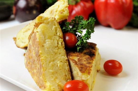 Spanish Potato and Onion Omelette - Pimenton