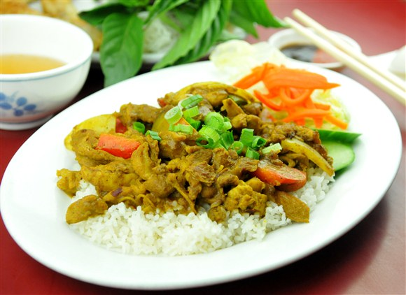 Curry Chicken on Rice - Pho Tien Thanh