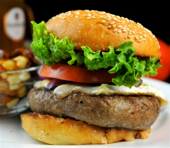 8oz Black Angus Beef Burger - Insomnia