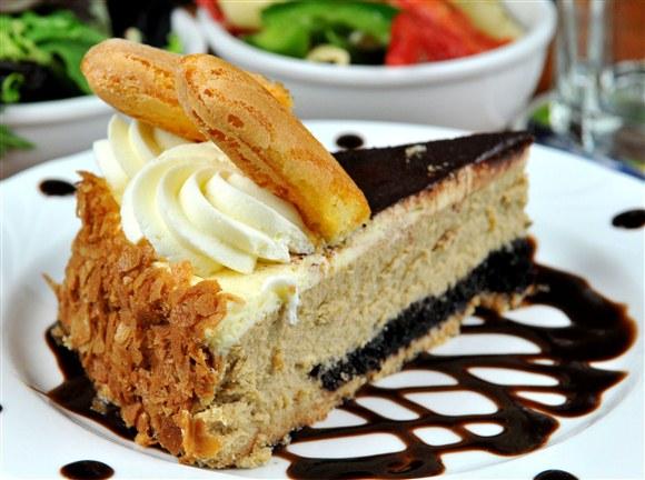 Tiramisu Cheesecake - Future Bistro