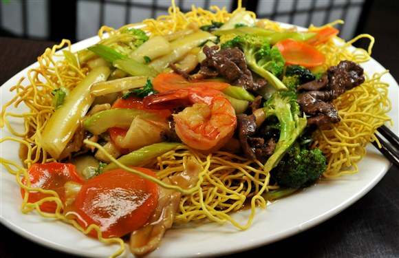 Crispy Fried Noodle with Assorted Meats & Vegetables - Kim Bo Restaurant (CLOSED)
