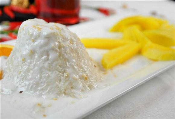 Mango with Sticky Rice - Sit in Bangkok