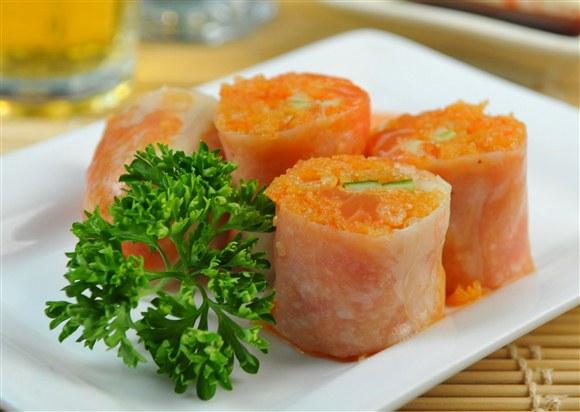 Lola Spicy Salmon Roll - LoLa Sushi