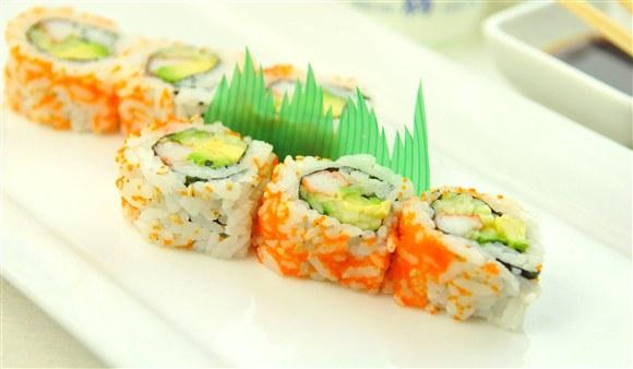 California Roll (8 pcs) - Gold Zen Japanese & Asian Dining