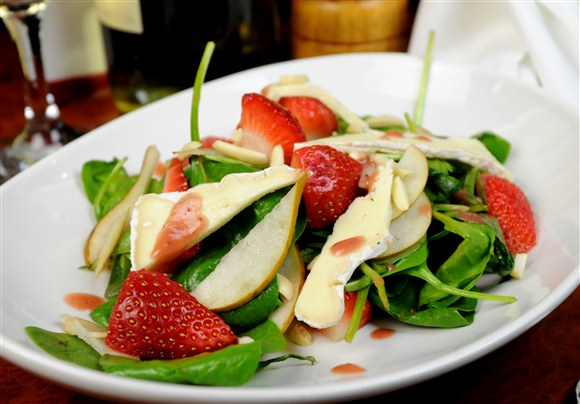 STRAWBERRY, BRIE & PEAR SALAD - Alleycatz