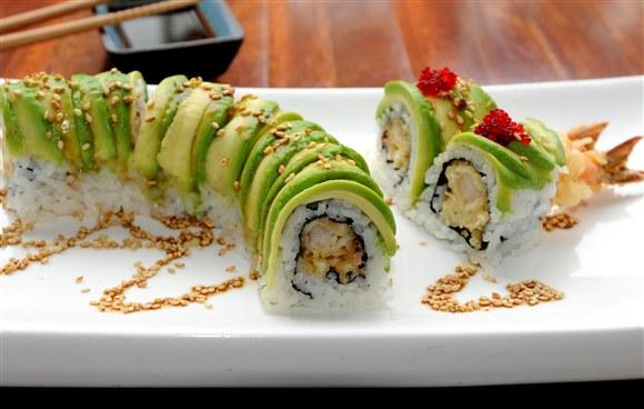 Tempura Avocado Roll - Omi Sushi