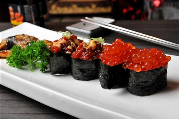 Spicy Tuna Sushi, Unagi Sushi, Salmon Roll Sushi - Wabora