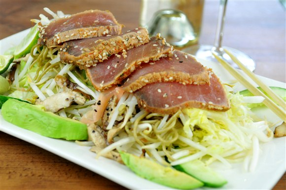Seared Tuna Salad - Mr. Greenjeans