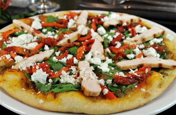 Grilled Chicken Italian Pizza - Beach Bird
