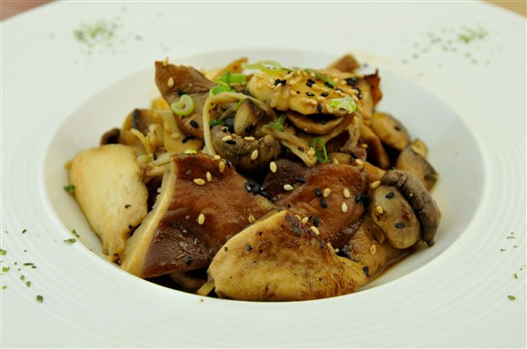 Pan Fried Mixed Mushroom with Butter - Sushi Queen Izakaya