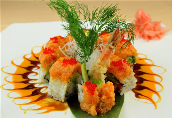 Spicy Salmon Dragon (8pcs) - Sushi Queen Izakaya