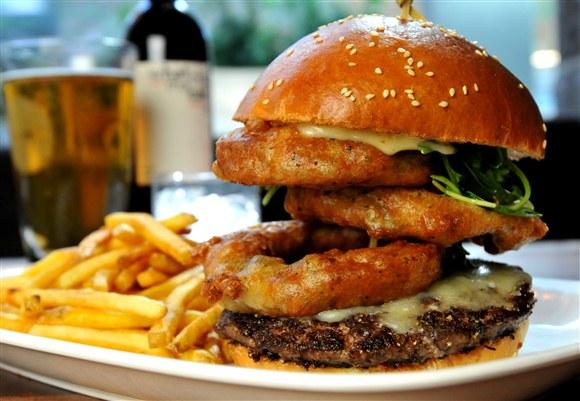 The Bronx Burger - Earls King Street