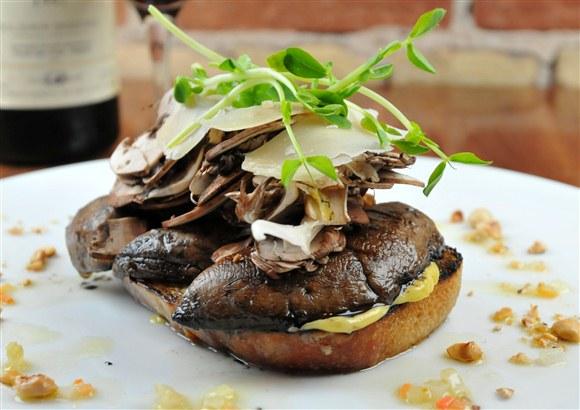 Mushroom Bruschetta - Paese Ristorante