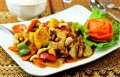 Cashew Chicken (Gai-himma-pharn)