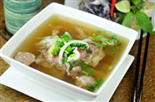 Pho xua special rice noodle soup - Pho dac biet pho xua