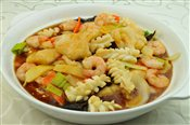 Seafood with Sizzling Rice Cake