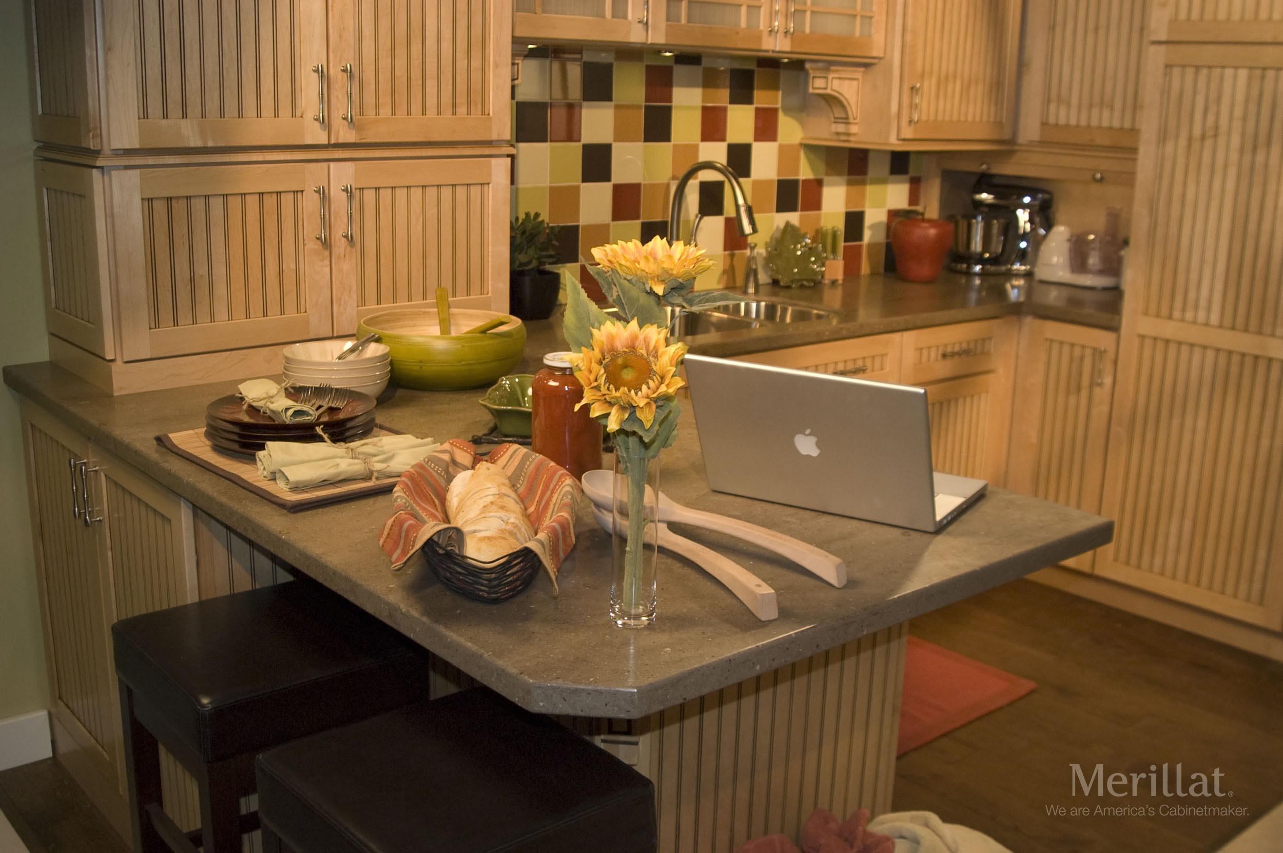 Merillat Kitchen Cabinets Merillat Classicr Avenue W 5 Piece Drawer In Maple Natural With