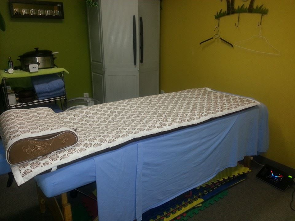 Light therapy table