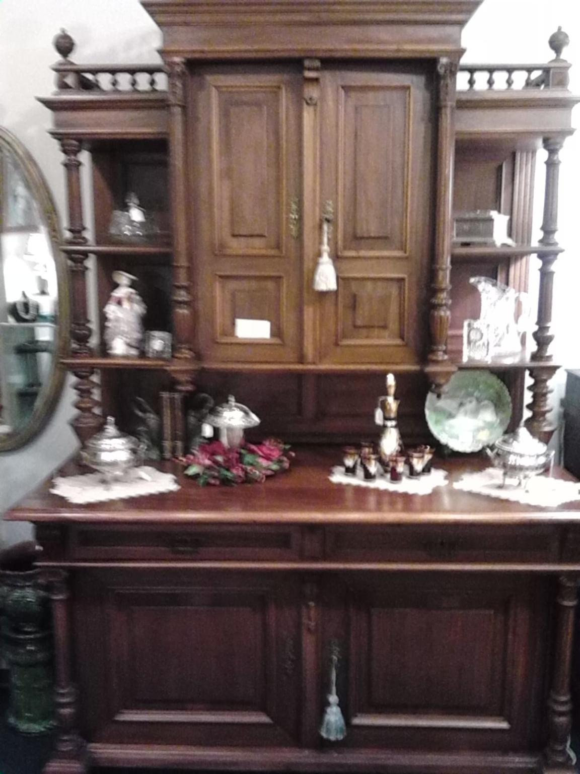 Old World Germ/France china cabinet