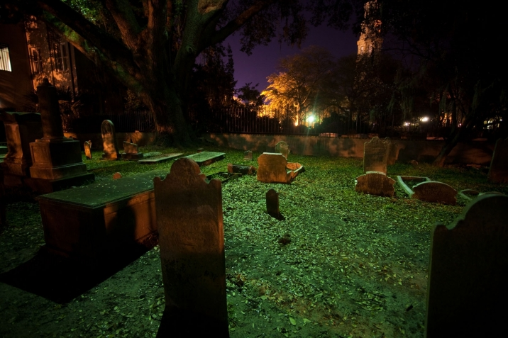 <a href=http://www.hauntedtravelsusa.com/me/haunted-travels-usa/charleston-ghost-graveyard-walking-tour-6626.html target=_blank>Charleston' Ghost & Graveyard Walking Tour</a>