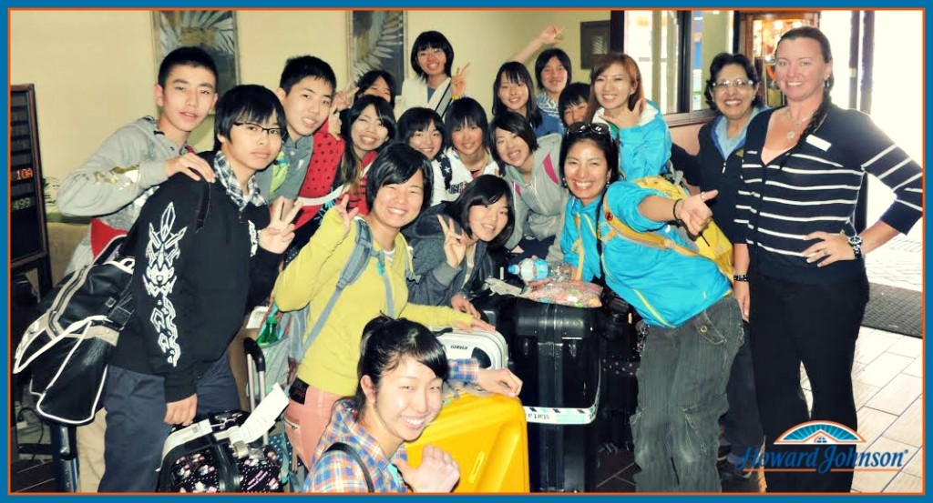 Japanese Students Visit HoJo