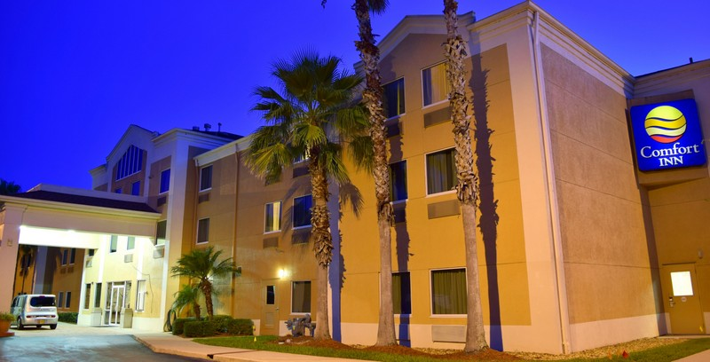 Comfort Inn & Suites - DeLand