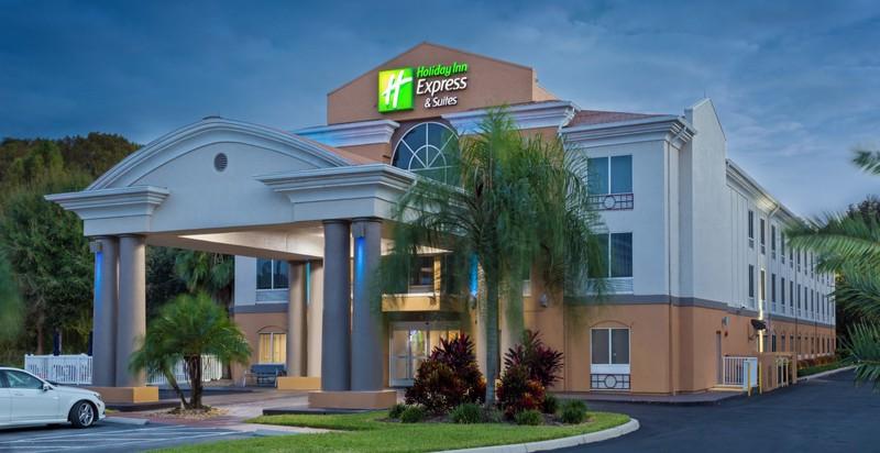 Holiday Inn Express & Suites - Tavares/Leesburg