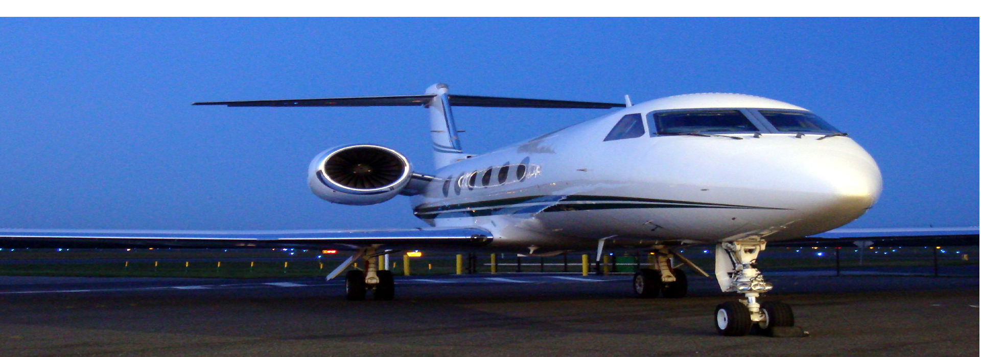 Need a lift from the airport?  A2B Transit provides limo and shuttle pickups from all the areas airports.  Call us for your next airport transportation needs 844.354.6622.