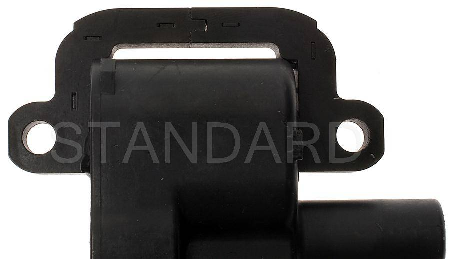Standard UF192 Ignition Coil Fits 1998-1998 GMC P3500