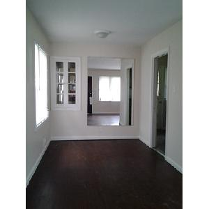Well kept 1 bedroom home in Forest Manor