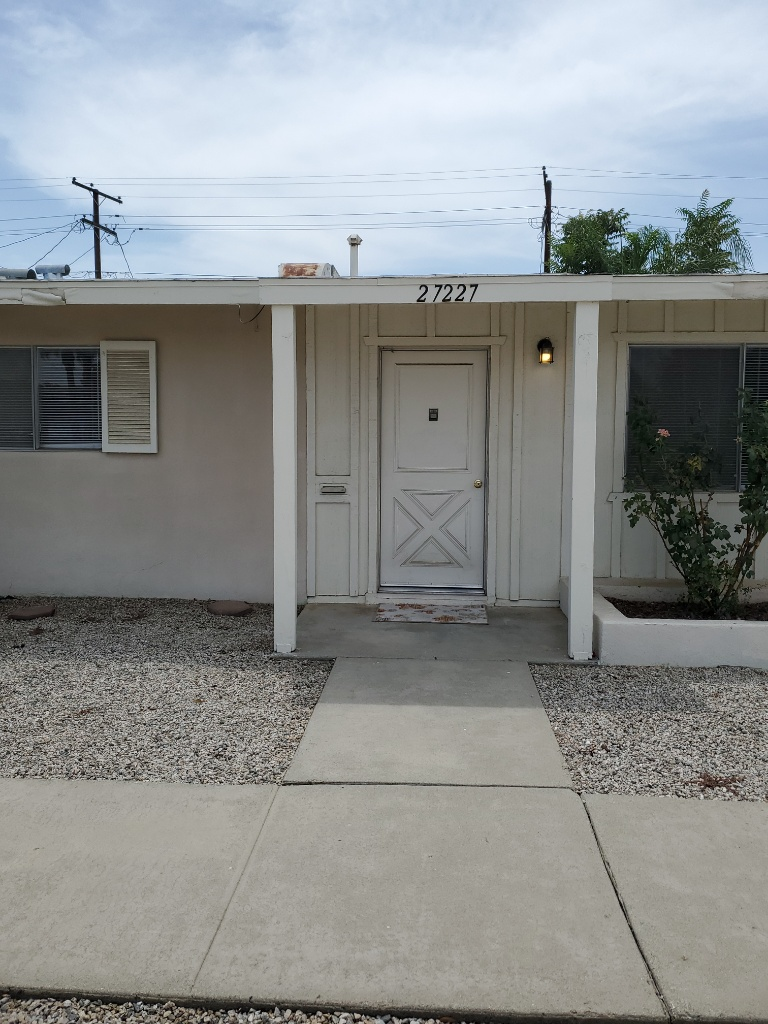 LCL Rental: Quaint 55+ SENIOR Condo located on Sun City Blvd