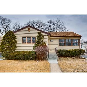 Home for rent in Des Plaines, IL