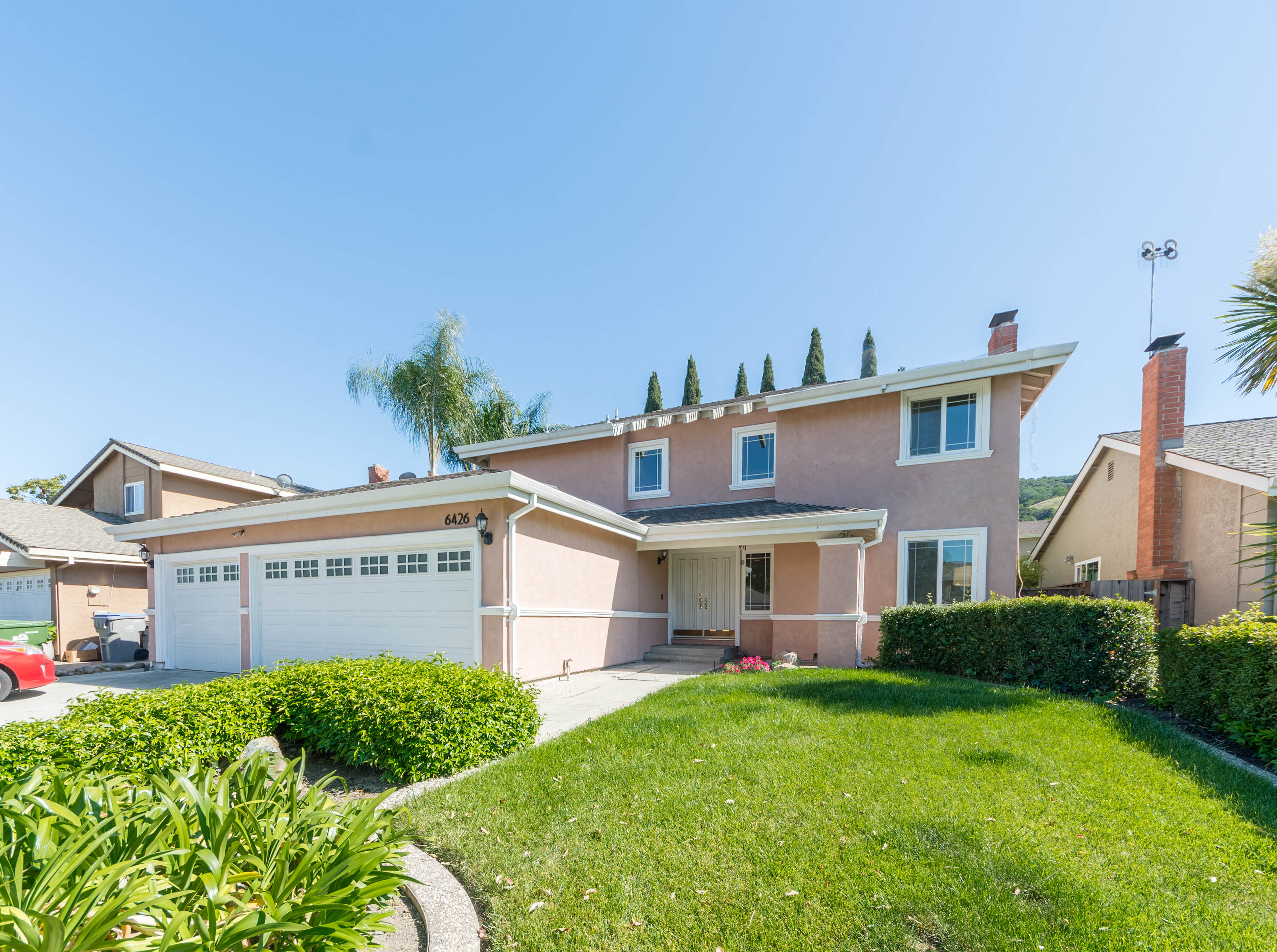 Great 4 Bed / 2.5 Bath Blossom Valley Single Family Home