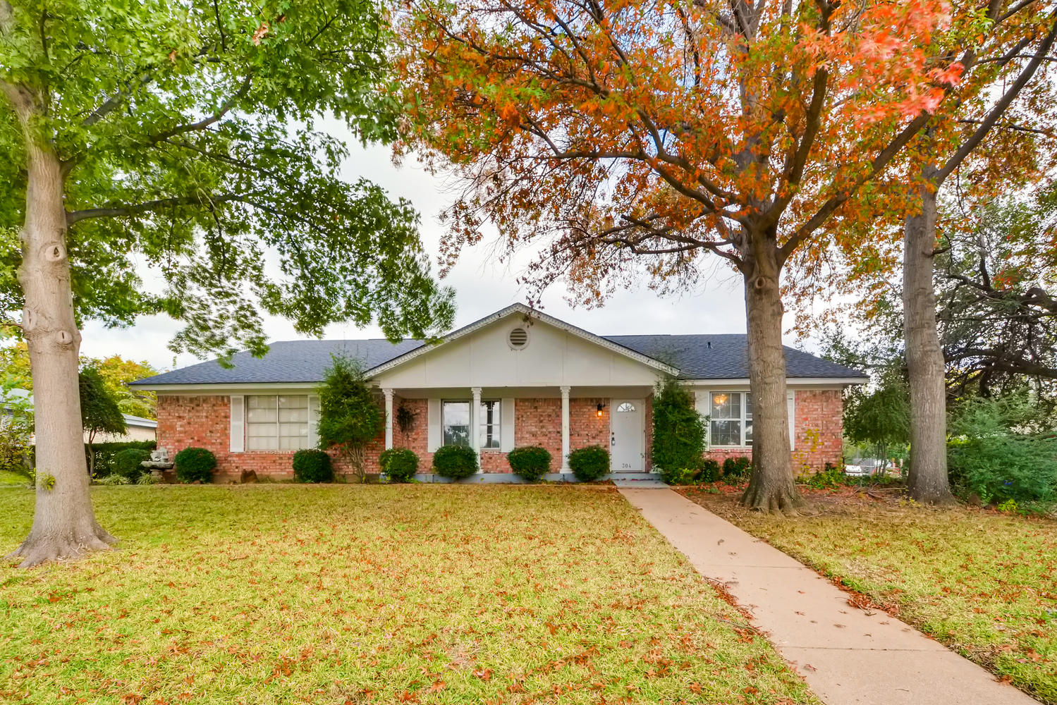 Photo of 304 Oak Valley Drive , Colleyville , TX , 76034