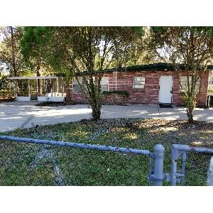 Newly Remodeled 2/1, HUGE fenced in back yard!