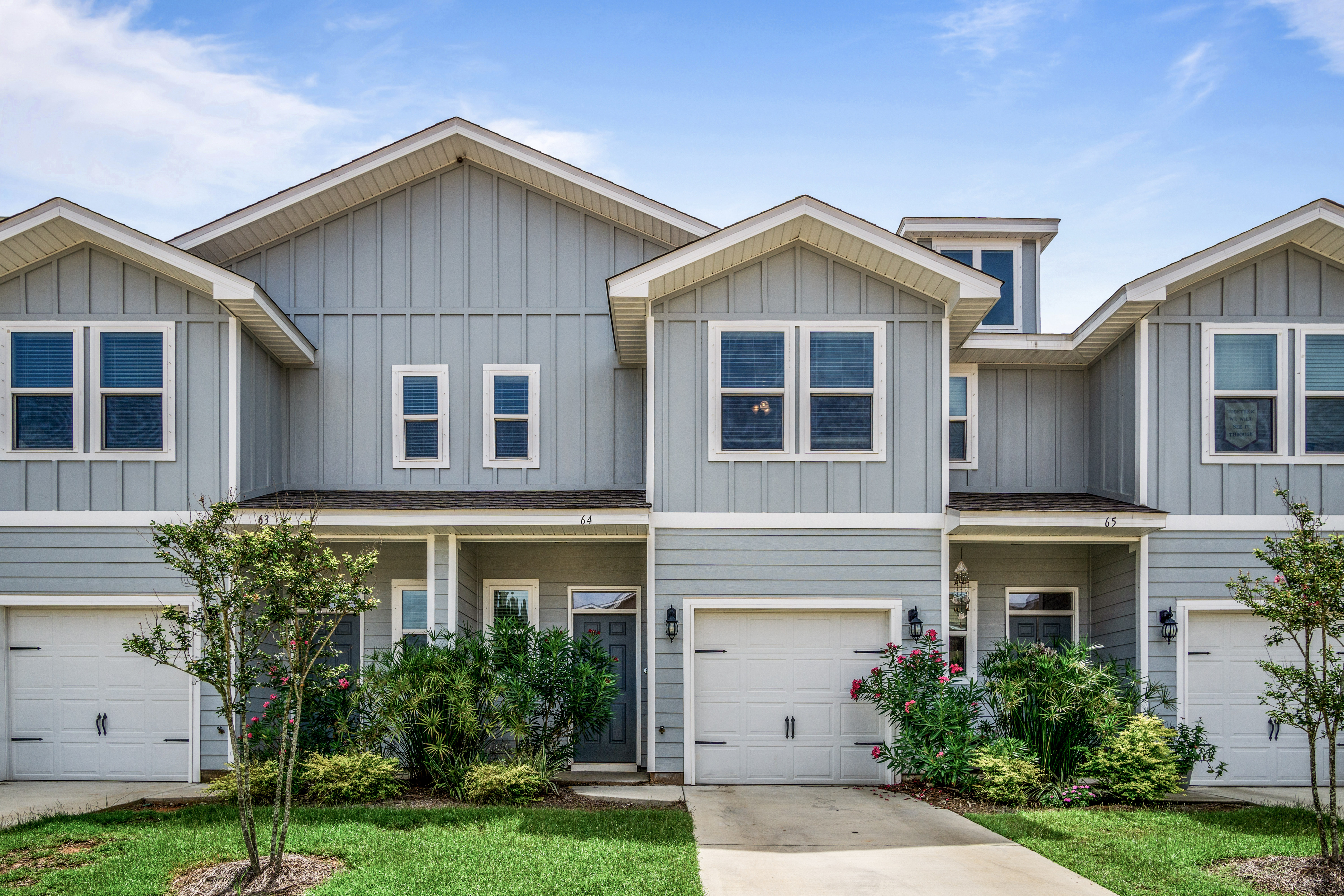 AVAILABLE FOR OCT MOVE IN! 3 BED/2.5 BATH CONDO IN DAPHNE!