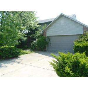 Great home in Avon~newer construction and modern amenities.
