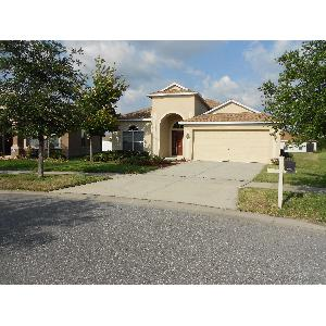 Spacious 3/2/2 recently updated home in great Riverview location!
