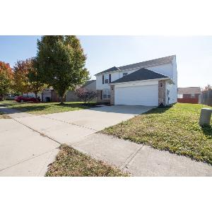 Huge 4 bedroom home in Perry Township! Newer construction!