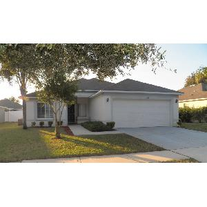 Spacious 4 Bedroom, 2 Bathroom Home in Valrico at a Great Price!