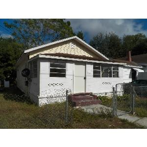 2 Bed 1 Bath with lots of character!!