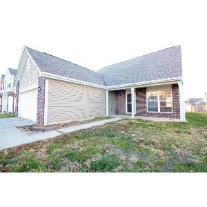 Nearly 2000 sq ft in Perry Twp, built in 2009!