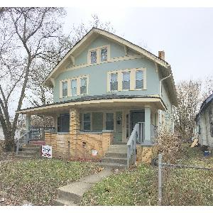 SPACIOUS 3 BEDROOM DUPLEX NEAR DOWNTOWN!