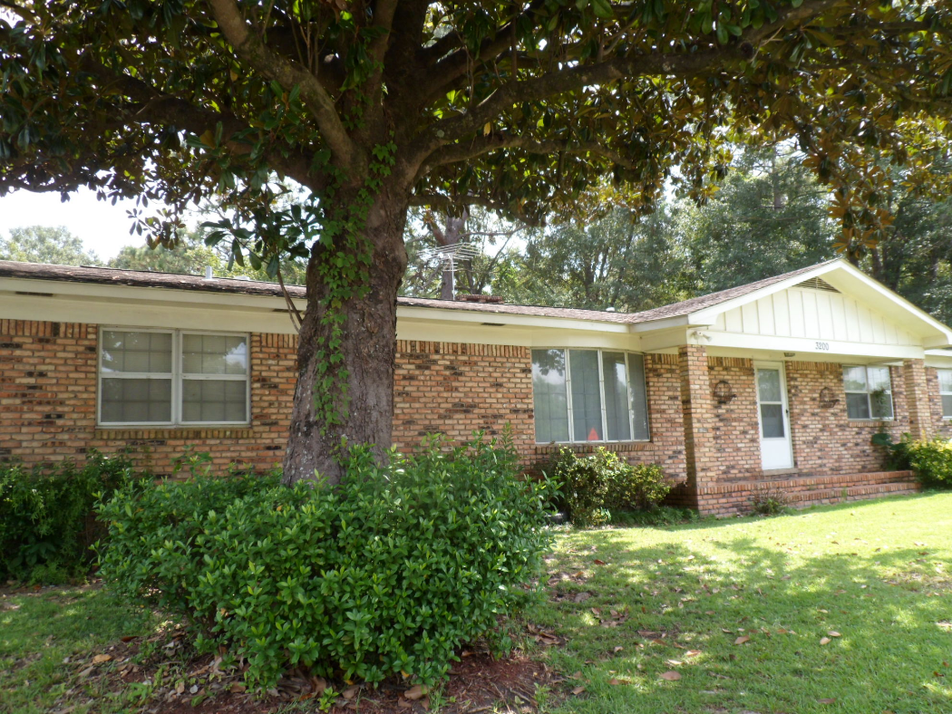 3 BD with a separate suite perfect for a Mother-in-law, 2 Families